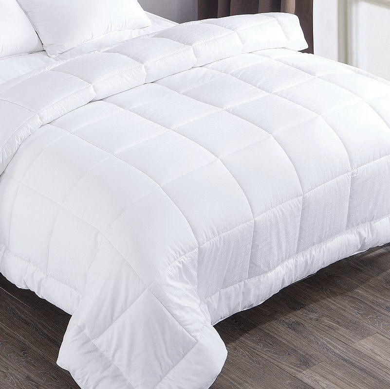 Одеяло демисезонное Comfort Night White микросатин на хлопке